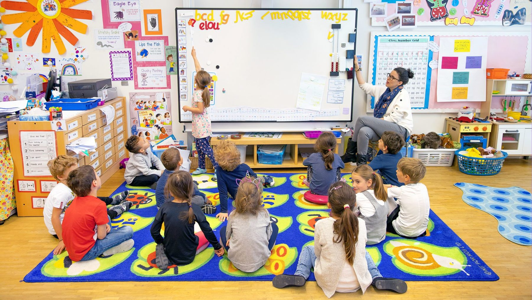 Primary class with teacher